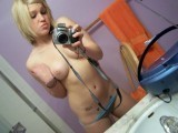 Hot teenager takes nude pictures of herself